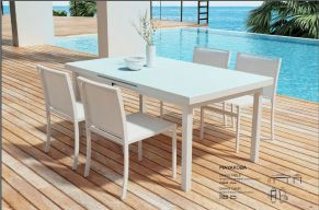 MAYAKOBA Dining Table & Chairs by ZUO VIVE 2017